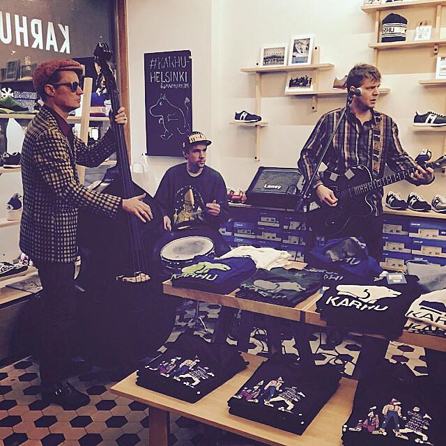 Good times at the @karhuoriginals store. #pietarinspektaakkeli doing their thing.